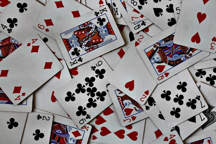 5 รูปแบบเกมไพ่แบล็คแจ็ค ที่มีให้เลือกเดิมพันที่คาสิโนออนไลน์ HappyLuke